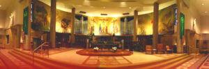 Altare della Parrocchia di Santa Chiara da Montefalco a Grosse Pointe Park